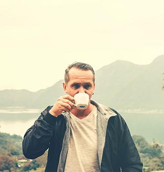 boire du thé blanc